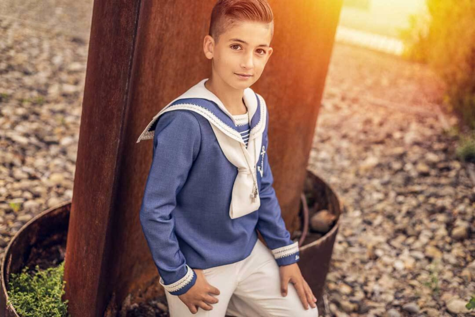 alejandra-lacosta-fotografa-infantil-zaragoza-reportaje-comunion-niño-exterior-retrato